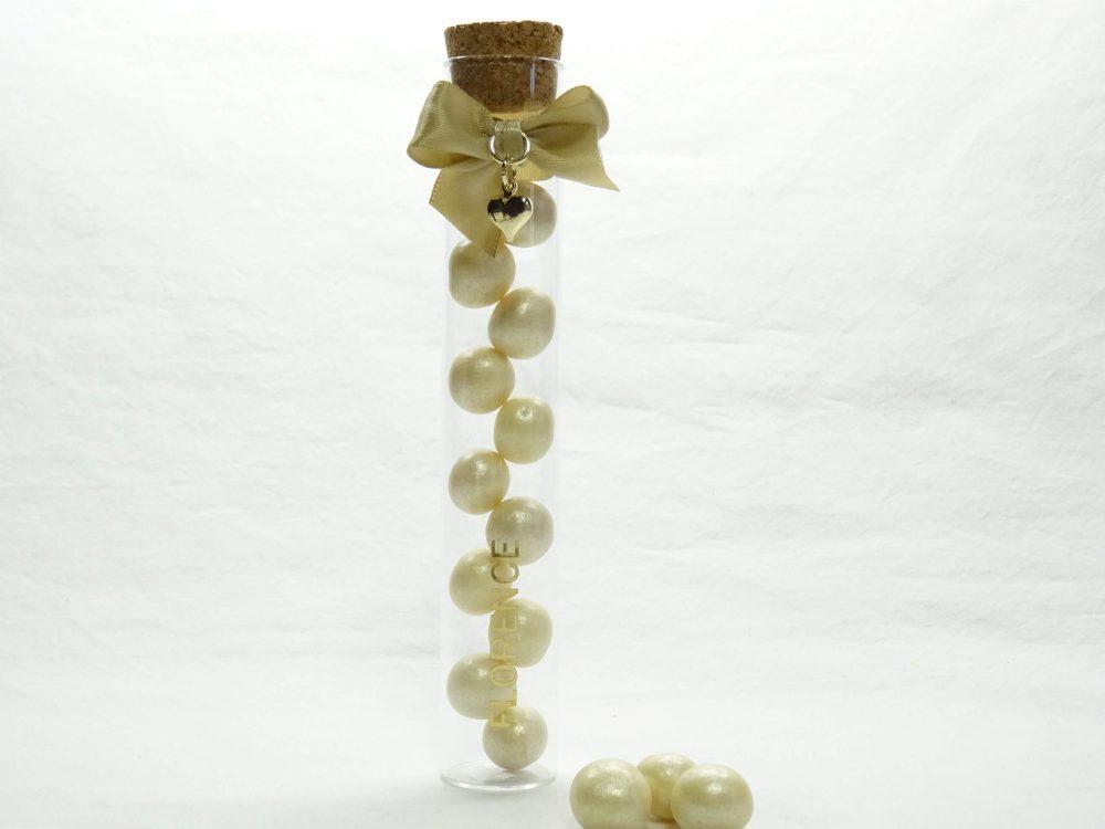 Proefbuis met snoepgoed 1